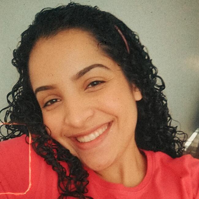 Babá em Londrina: Giovanna