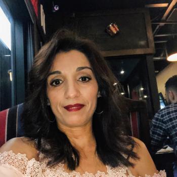 Baby-sitting Calgary: job de garde d'enfants Samira