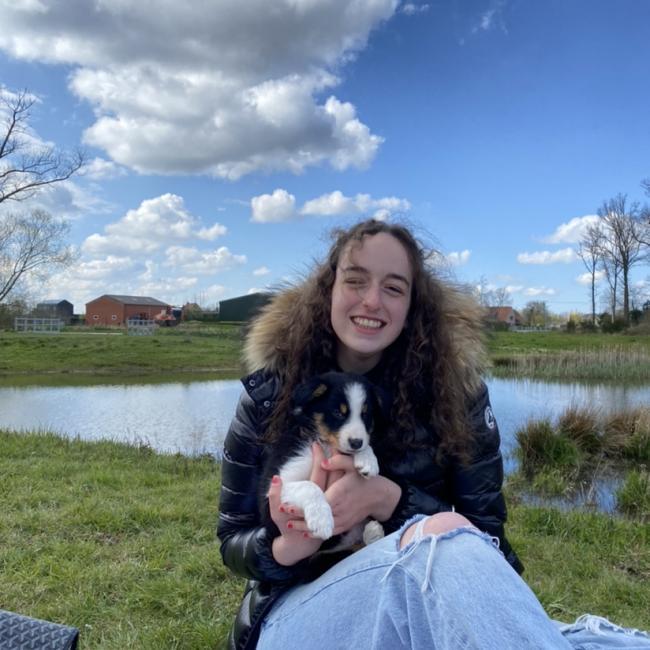 Babysitter in Oostende: Julie