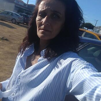 Babysitter em Lagos: Cristina