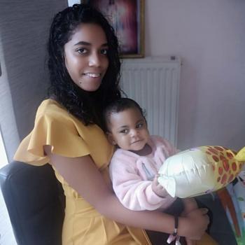 Babysitter in Créteil: Shaïna