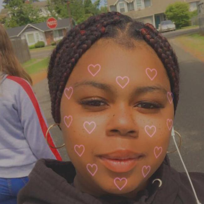 Babysitter in Tacoma: Zahleah