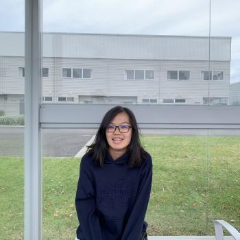 Babysitter Singapore: Mavia