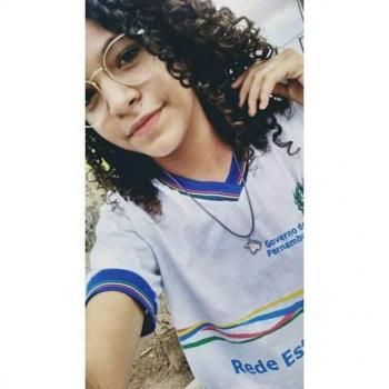 Babysitter Recife: Letícia