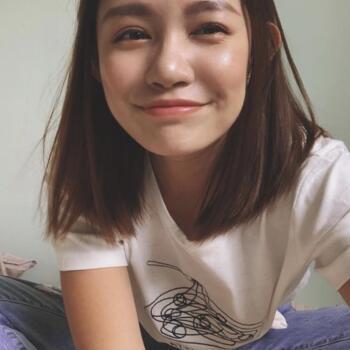 Babysitter in Singapore: Anthea