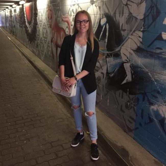 Babysitter in Brussel (Anderlecht): Lauryn