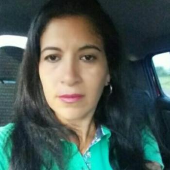 Babá Londrina: Tania