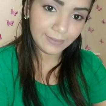 Babysitter Itajaí: Ana