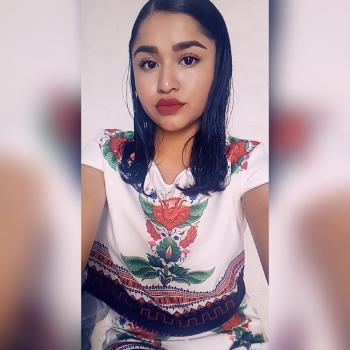 Niñera León: Leti