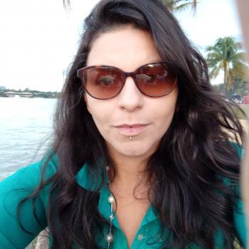 Babá em Brasília: Roanita Roana