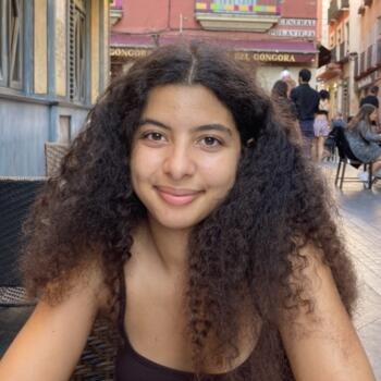 Babysitter em Setúbal: Francisca