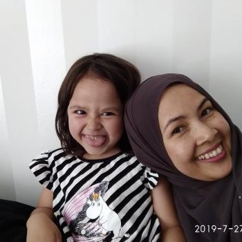 Babysitter Jyvaskyla: Zuzilawati Binti Md
