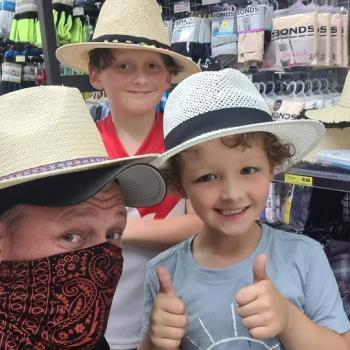 Babysitting job in Shepparton: babysitting job Mat