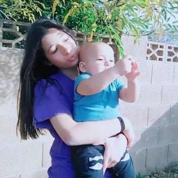 Babysitter Phoenix: Liz