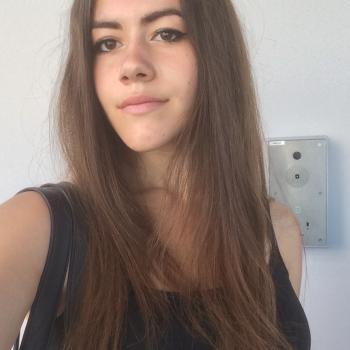 Baby-sitter Feyzin: Salomé Lacousse