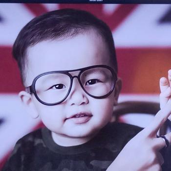 Parent Yishun New Town: babysitting job Max