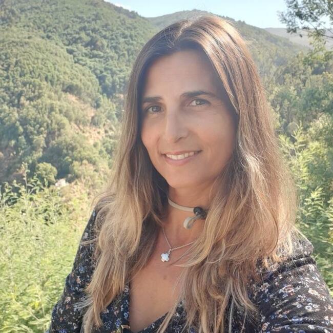 Babysitter em Faro: Claudia Correia