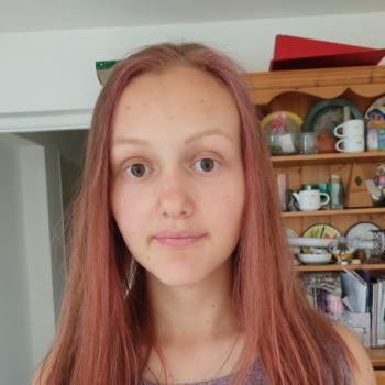 Babysitter Nottingham: Hannah