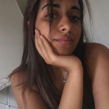 Baby-sitter Chatou: Imane