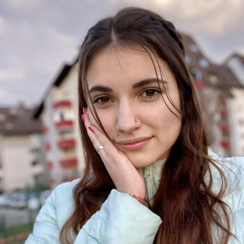 Varuška (Kamnik): Sara