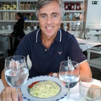 Trabajo de canguro Pozuelo de Alarcón: trabajo de canguro José Ignacio Fernandez Vicente