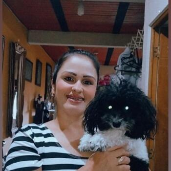 Babysitter in Bello: Adriana