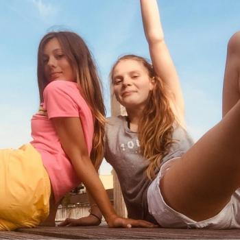 Babysitter Almere Stad: Gillian en roos