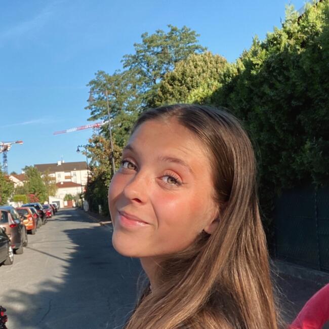 Baby-sitter in Rueil-Malmaison: Oceane