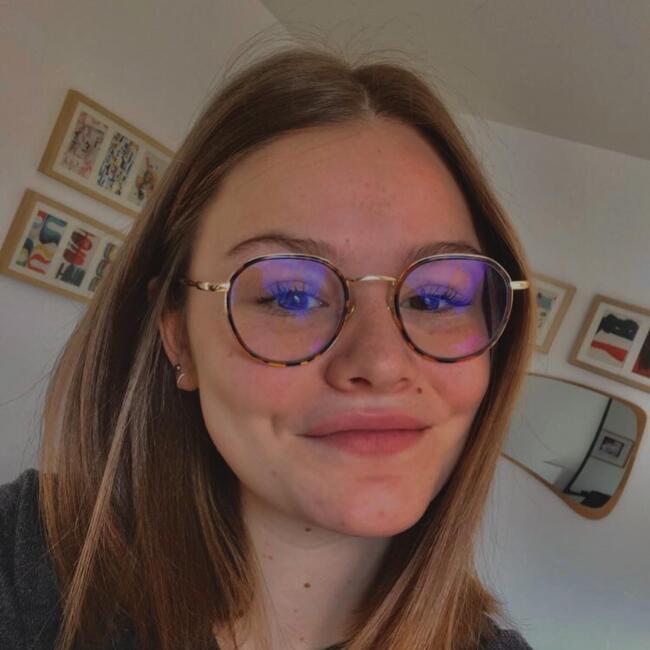 Baby-sitter in Lyon: Adèle