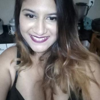 Babá Carapicuíba: Natalia Mendonça