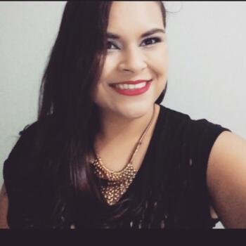 Babá em Piracicaba: Débora Thais