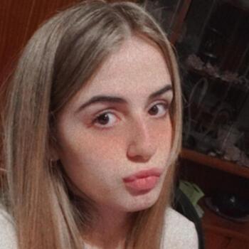 Babysitter in Moreno: Sara