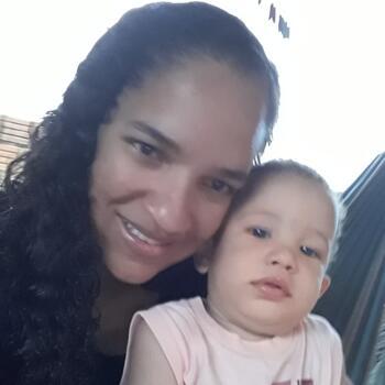 Babá em Cuiabá: Claudiane