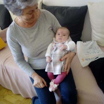 Babysitter Evora: Delfina