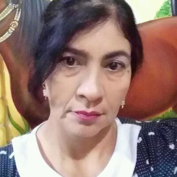 Niñera Floridablanca: Yaine