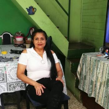 Babysitter in Alajuelita: Teresa