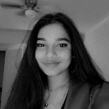 Babysitter in Chicago: Alishba