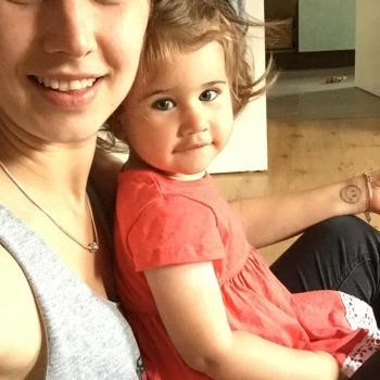 Babysitter Edinburgh: Naima