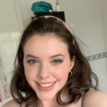 Babysitter in Nottingham: Izzie