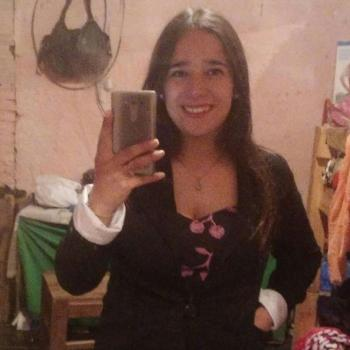 Babysitter in Las Piedras: Angela