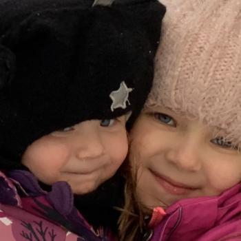 Barnvaktsjobb Helsingfors: barnvaktsjobb Aurora ja Aleksandra