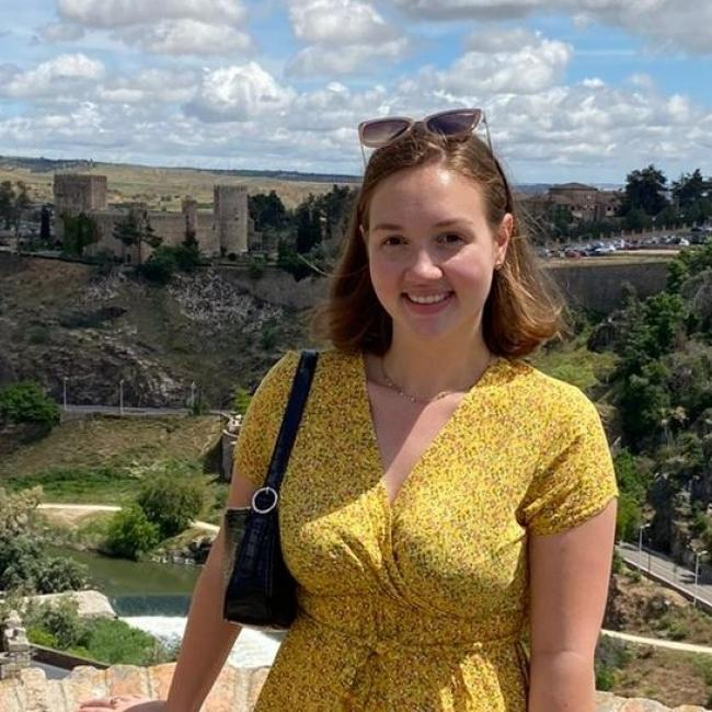 Baby-sitter in Montluçon: Mathilde