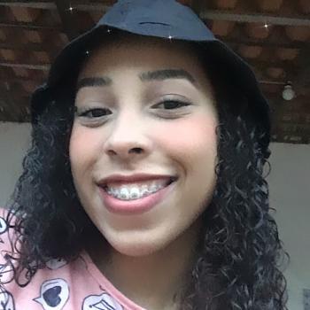 Babysitter São Luís: Sara