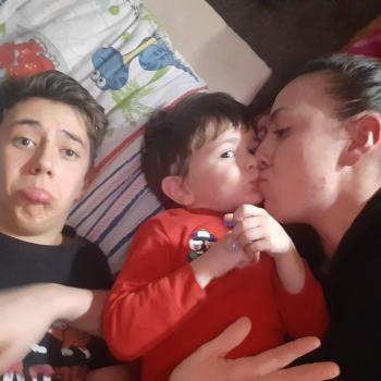 Babysitter Latina: Evelin