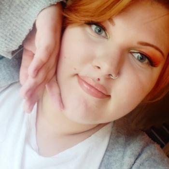 Lastenhoitaja Hausjärvi: Roosa