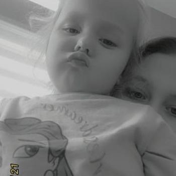 Babysitter Heist-op-den-Berg: Lara
