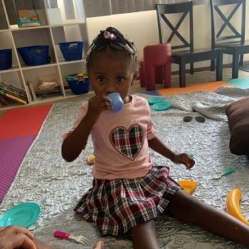 Babysitting job in Columbus: babysitting job Shakira