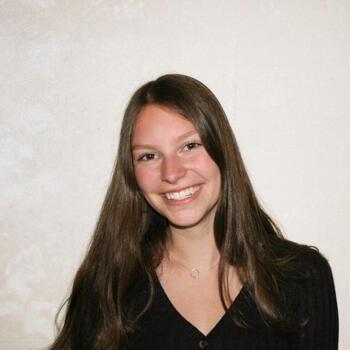 Babysitter Almere Stad: Angelina