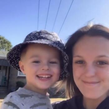 Babysitter in Hamilton: Cearah