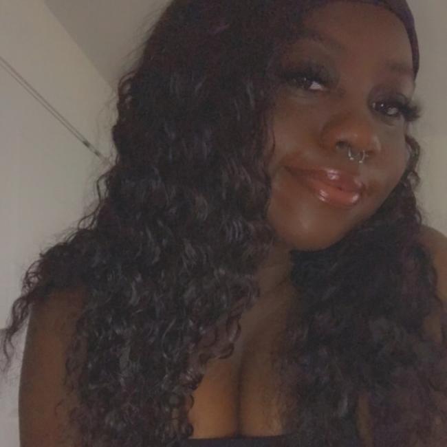 Babysitter in St Louis: Tianna